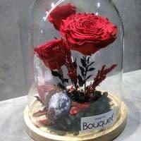 3 FOREVER ROSES in a glass dome / 3 ΔΙΑΤΗΤΗΜΕΝA ΤΡΙΑΝΤΑΦΥΛΛA μεσα σε θολωτή γυάλα